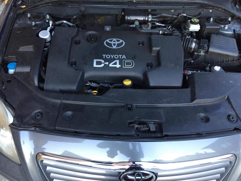 Toyota Avensis - image 9
