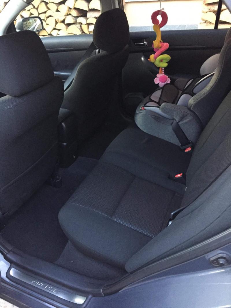 Toyota Avensis - image 8