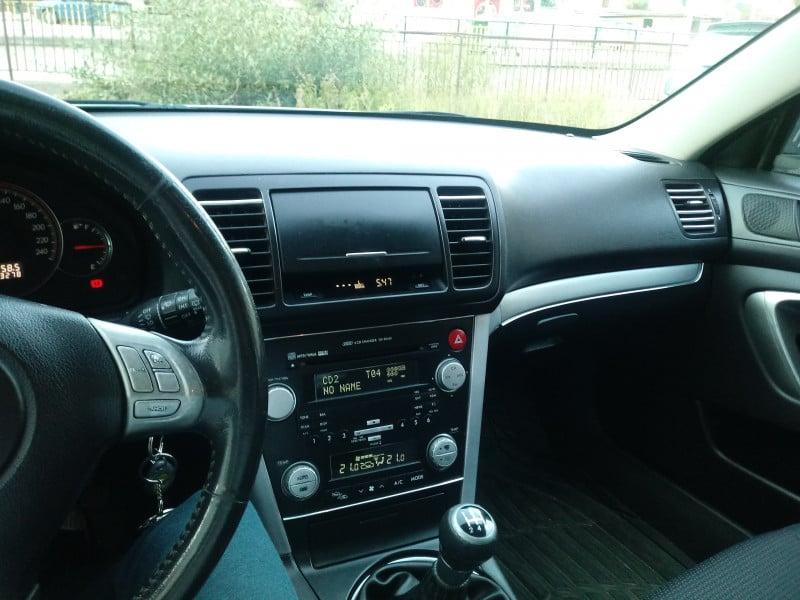 Subaru Legacy - image 6