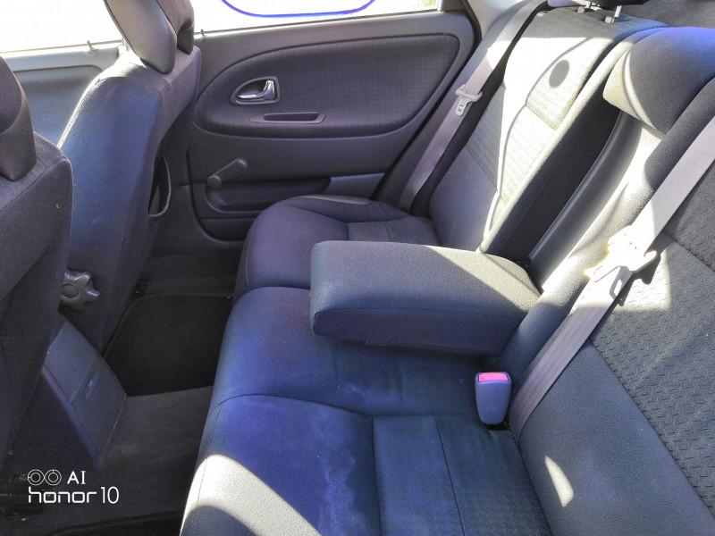 Volvo S40 - image 10