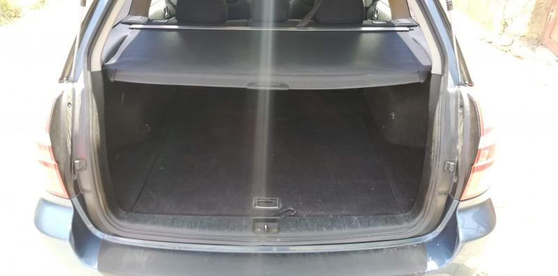Subaru Legacy - image 12