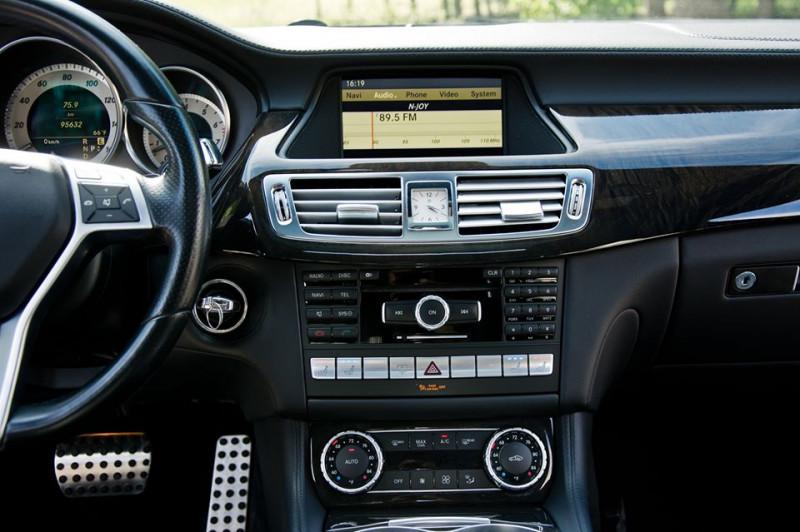 Mercedes-Benz CLS 500 - image 9
