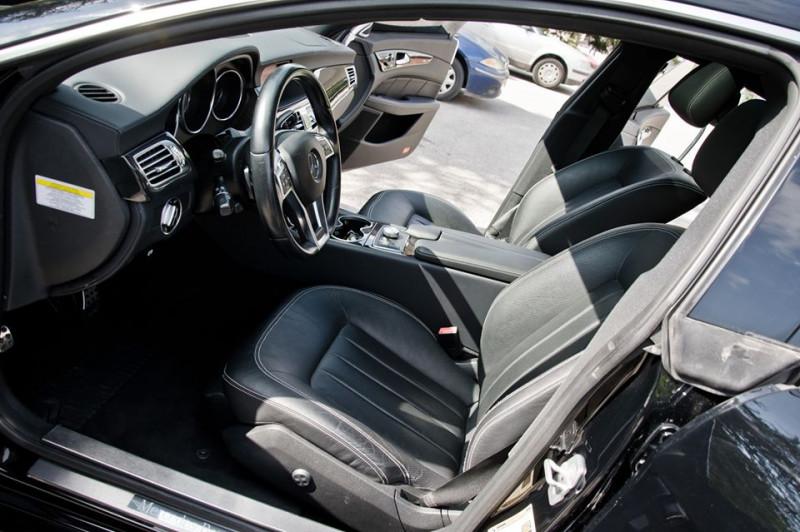 Mercedes-Benz CLS 500 - image 12