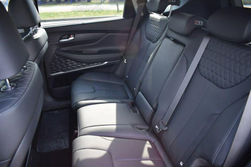Hyundai Santa Fe - image 7
