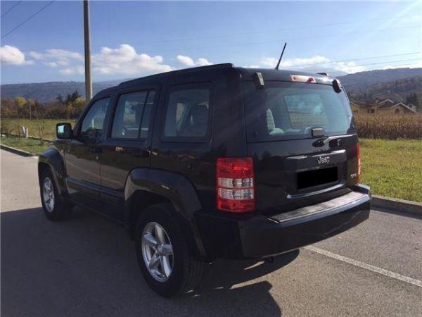 Jeep Cherokee - image 5