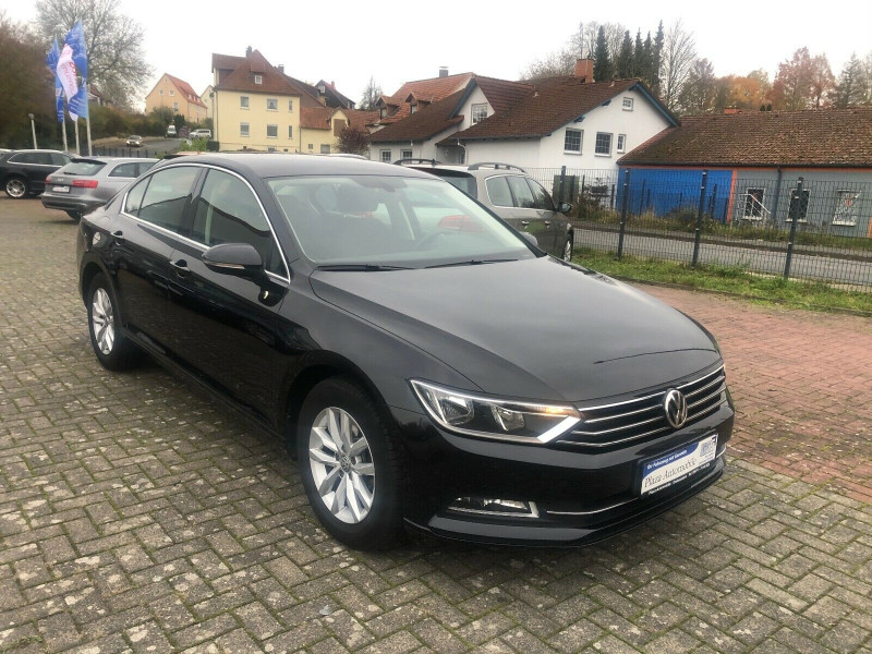 VW Passat - image 9