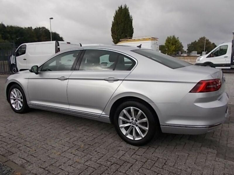 VW Passat - image 12