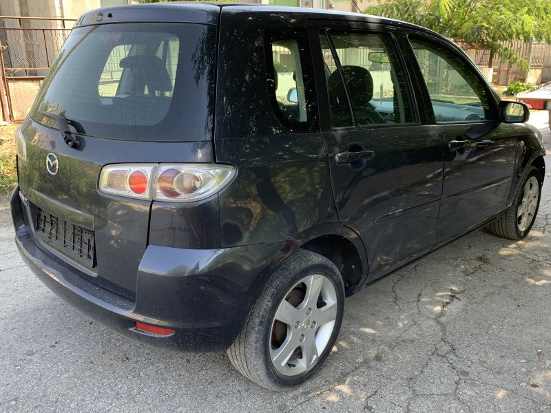 Mazda 2 - image 4