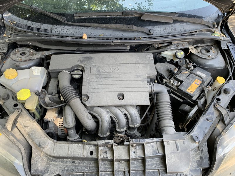 Mazda 2 - image 10