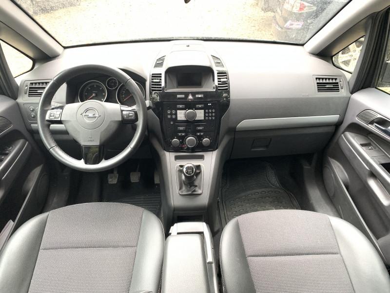 Opel Zafira - image 11