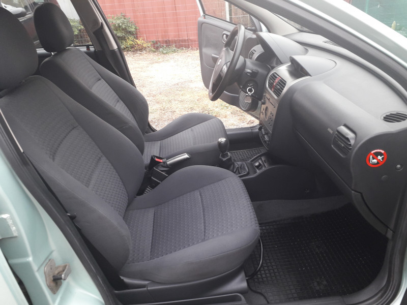 Opel Corsa - image 7