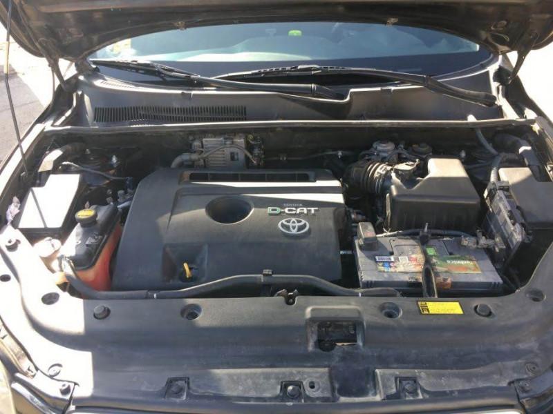 Toyota RAV 4 - image 12