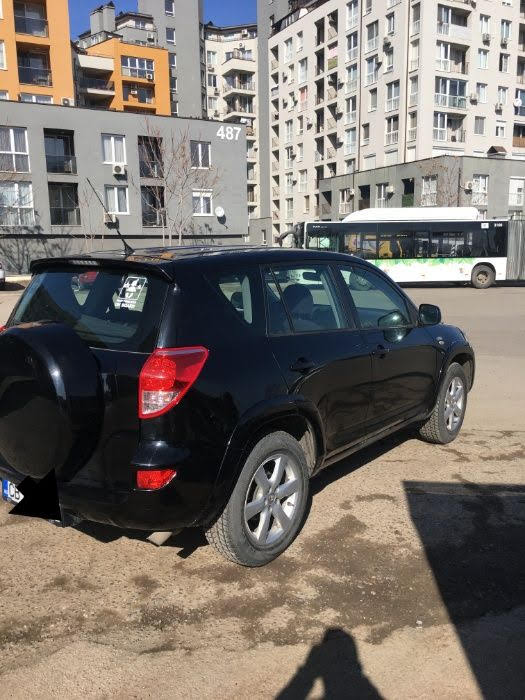 Toyota RAV 4 - image 4