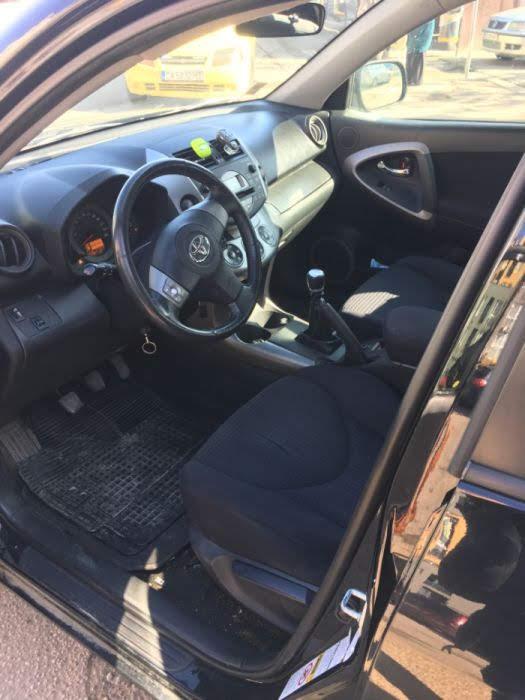 Toyota RAV 4 - image 9