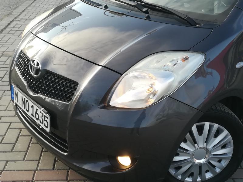 Toyota Yaris - image 7