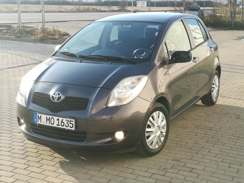 Toyota Yaris - image 4