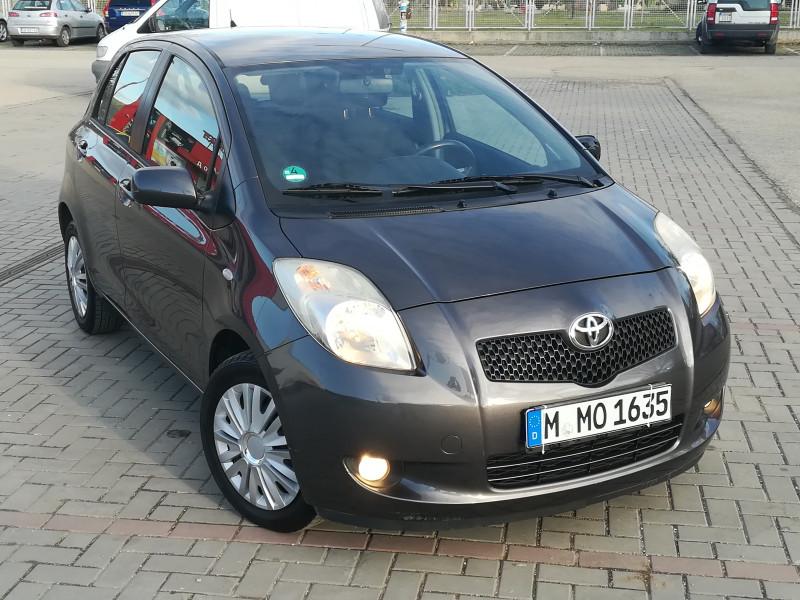 Toyota Yaris - image 11