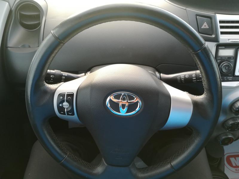 Toyota Yaris - image 14