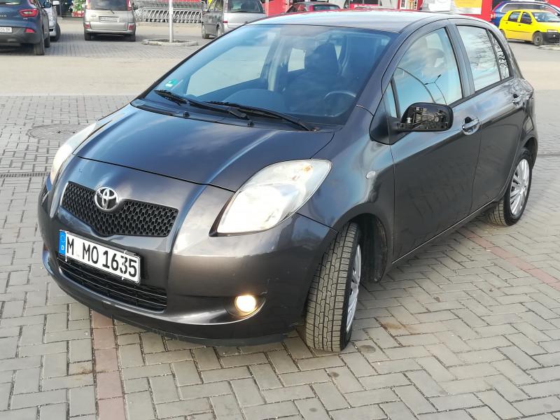 Toyota Yaris - image 12