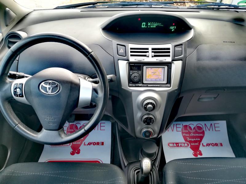 Toyota Yaris - image 2