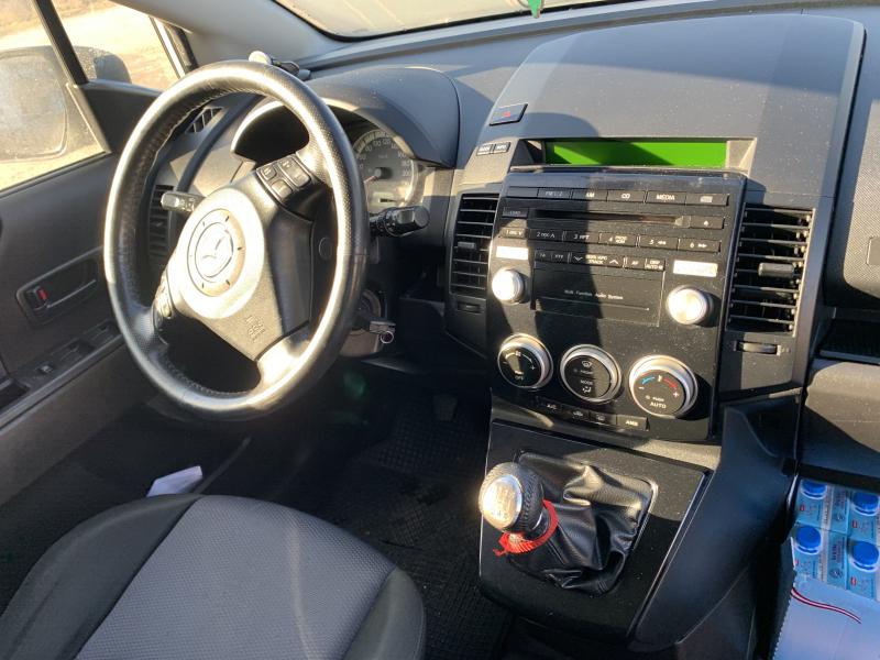Mazda 5 - image 10