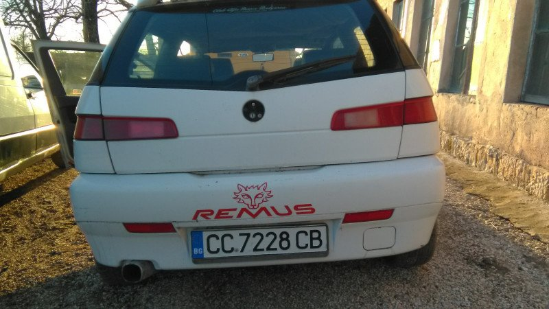 Alfa Romeo 145 - image 2
