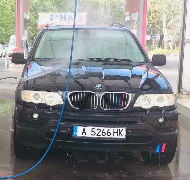 BMW X5 - image 8