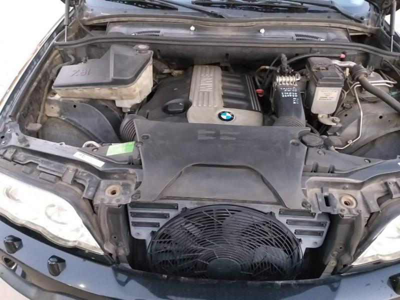 BMW X5 - image 12