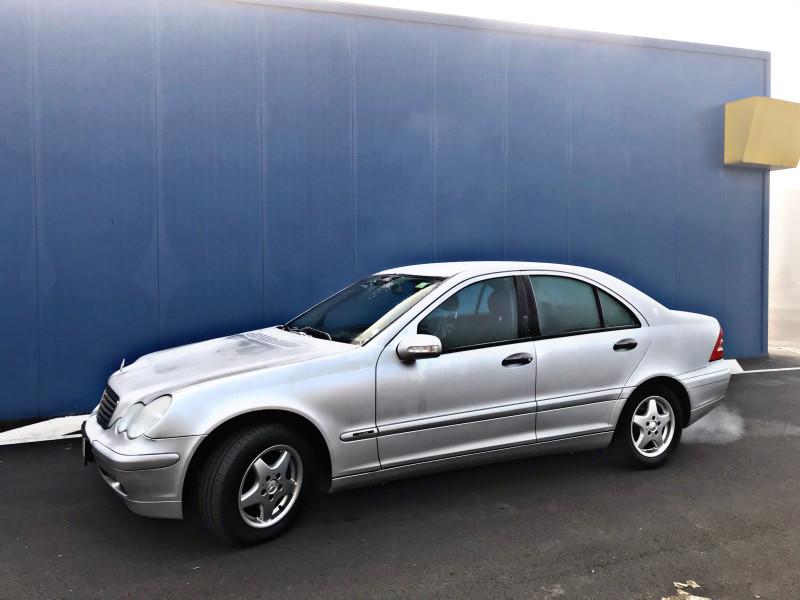 Mercedes-Benz C 200 - image 2