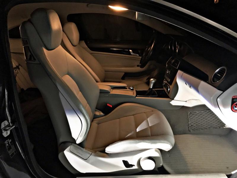 Mercedes-Benz C 220 - image 13