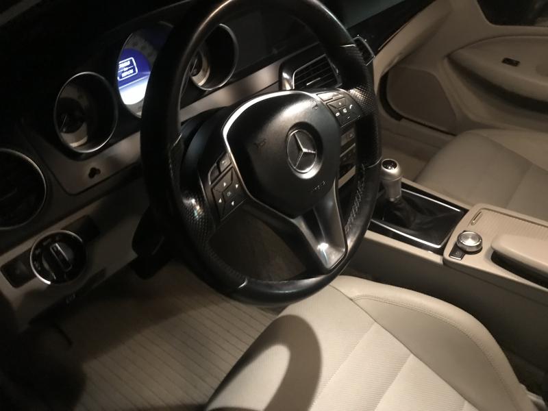 Mercedes-Benz C 220 - image 14