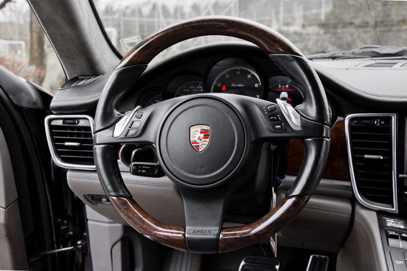 Porsche Panamera - image 9