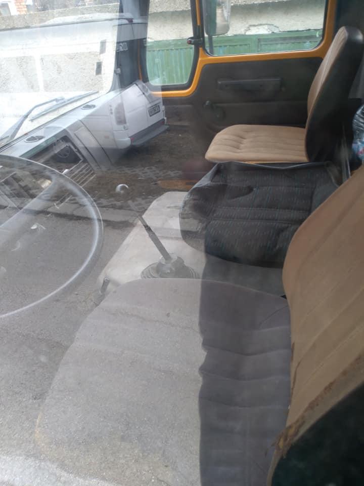 4- Mercedes-Benz 1213