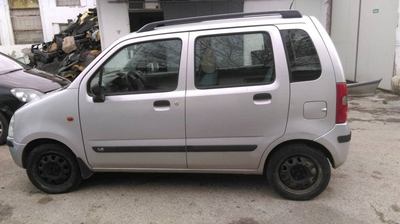 Suzuki Wagon R+ - image 6