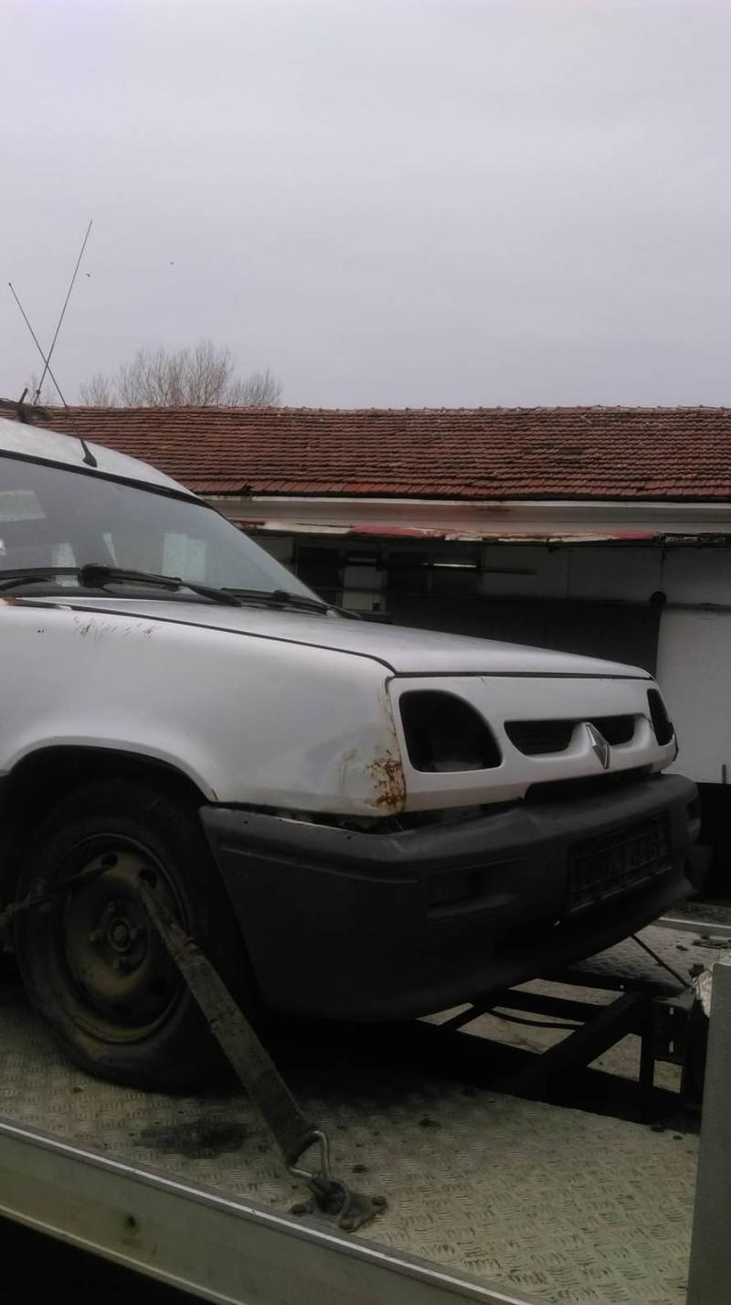 Renault Rapid - image 2