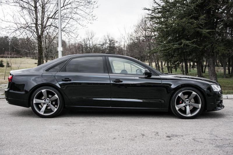 Audi A8 - image 4