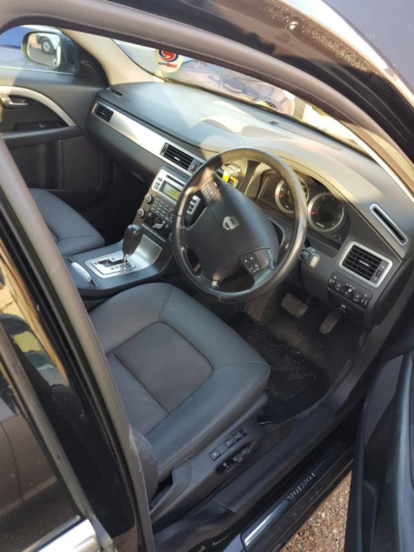 Volvo S80 - image 7