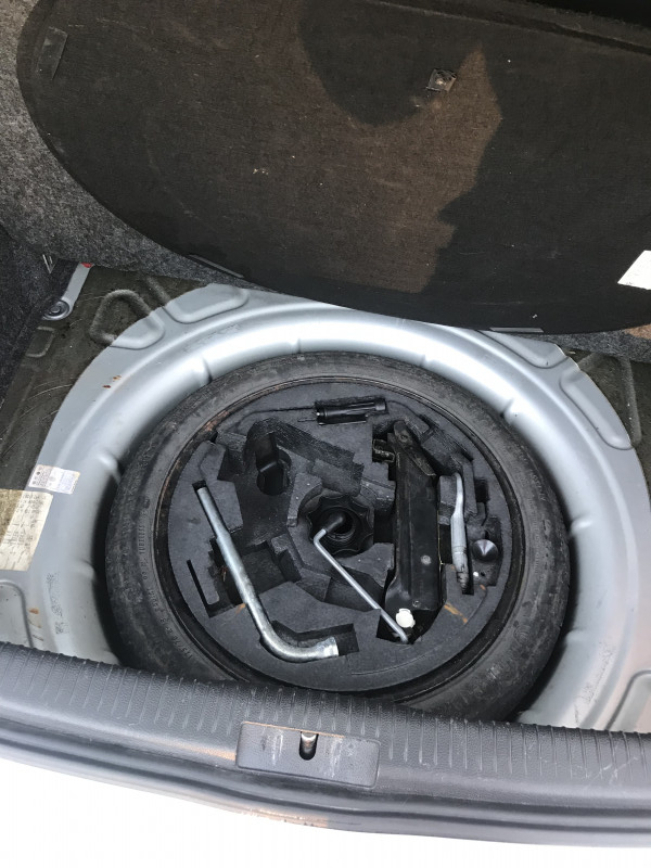 VW Golf - image 14