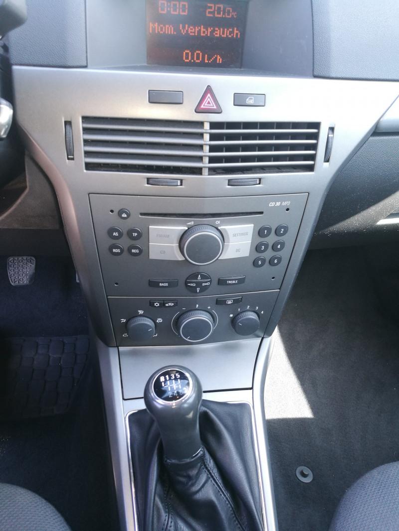 Opel Astra - image 4