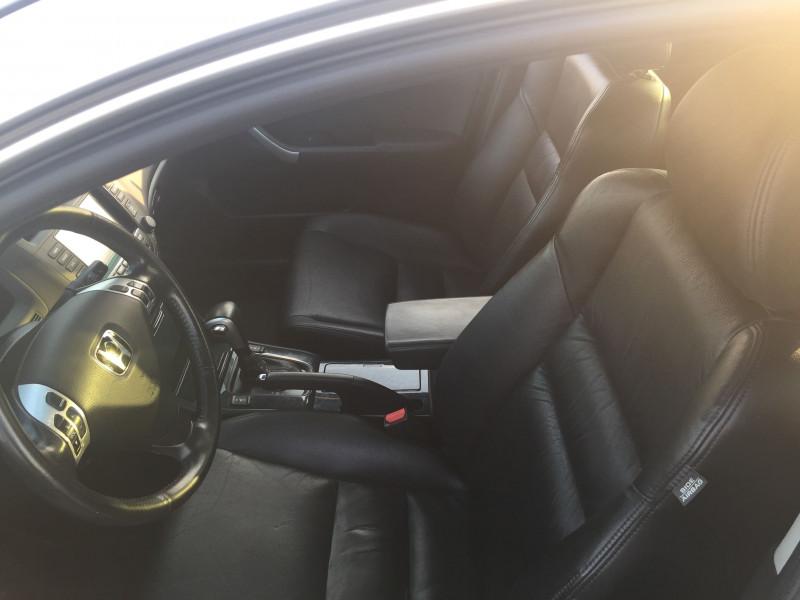 Honda Accord - image 8