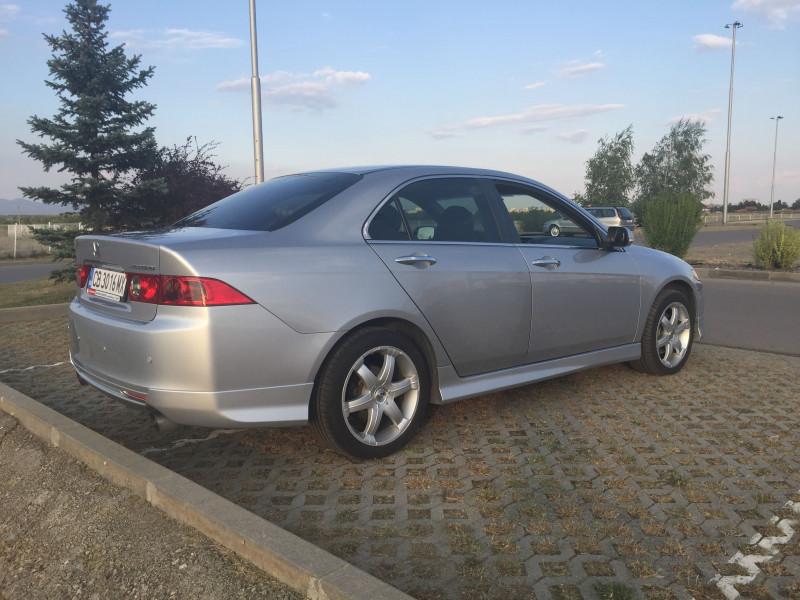 Honda Accord - image 4