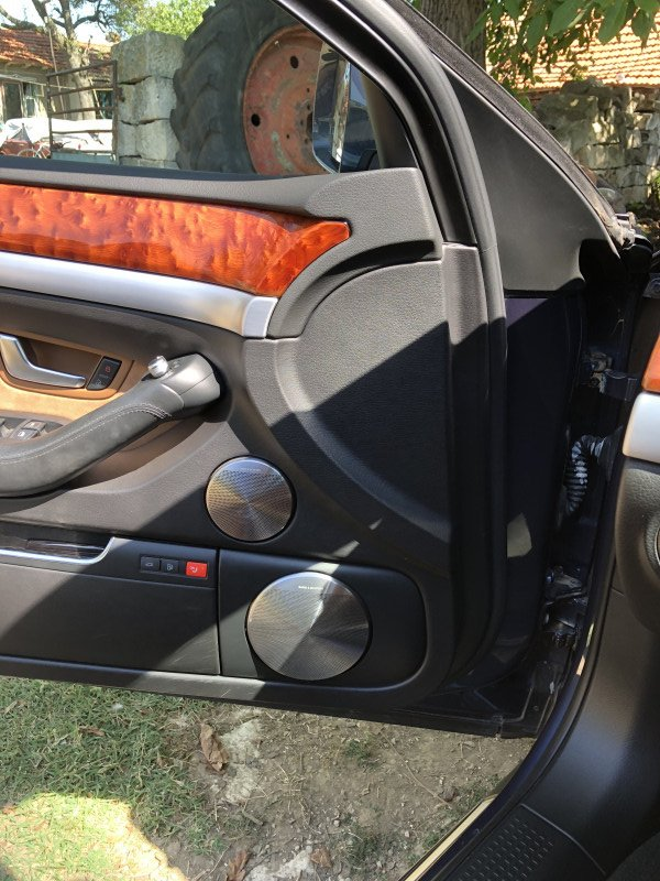 Audi A8 - image 10
