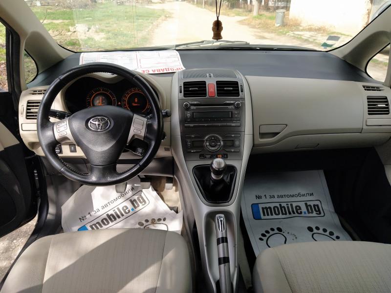 Toyota Auris - image 7