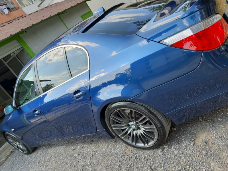 BMW 520 - image 5