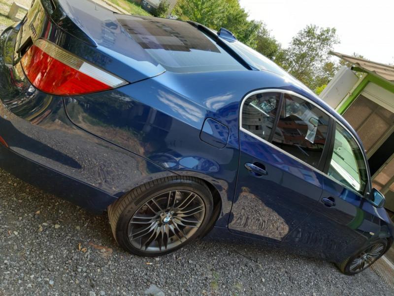 BMW 520 - image 9