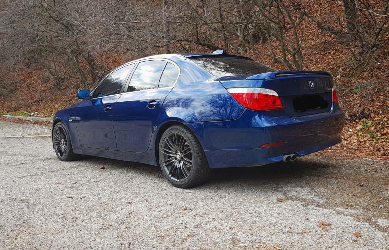 BMW 520 - image 10