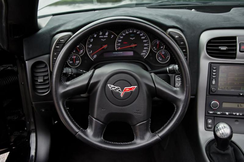 Chevrolet Corvette - image 12