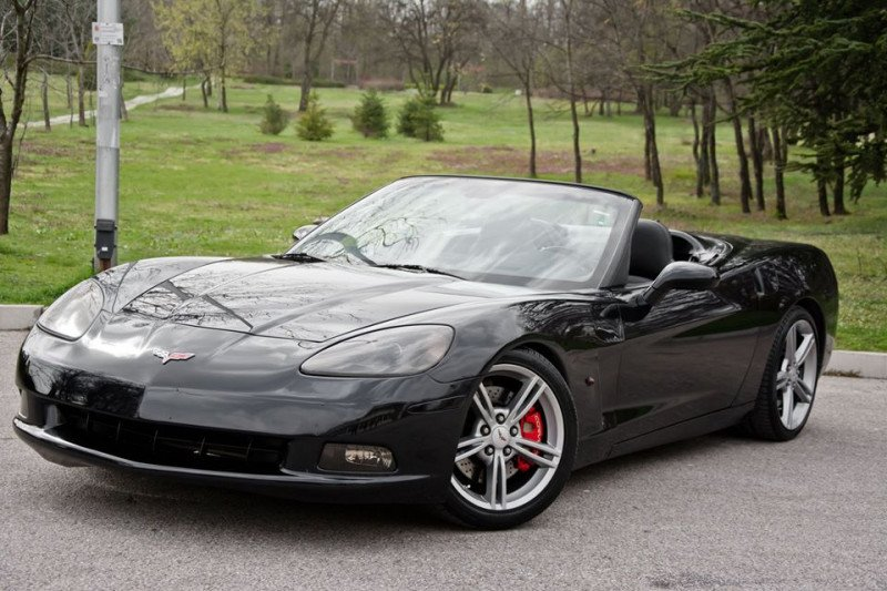 Chevrolet Corvette - image 4