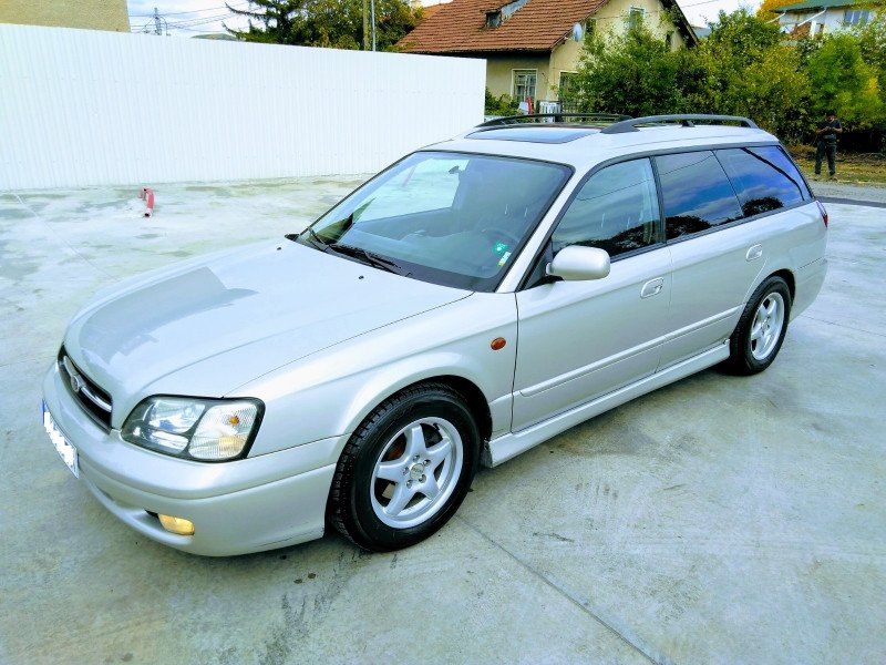 Subaru Legacy - image 4
