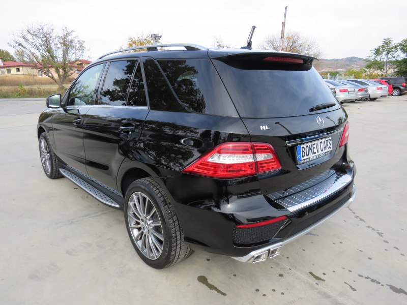 Mercedes-Benz ML 350 - image 7